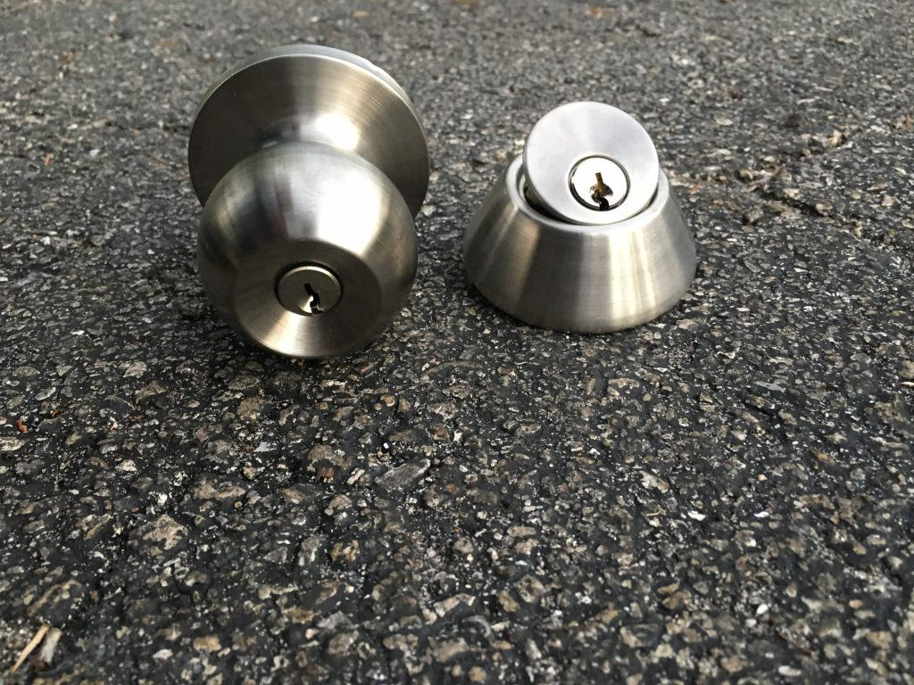 Deadbolt Lock VS. doorknob Lock
