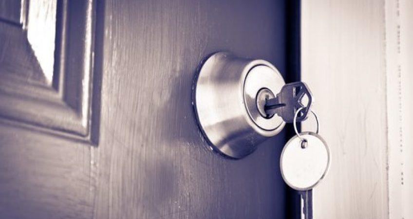 Keyless Lock VS. Keyed Lock